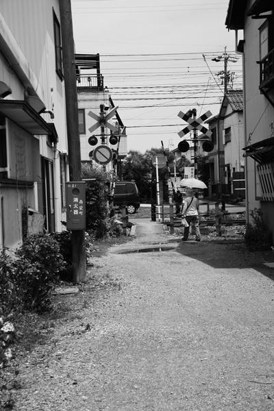 昼下がり・線路沿いの町