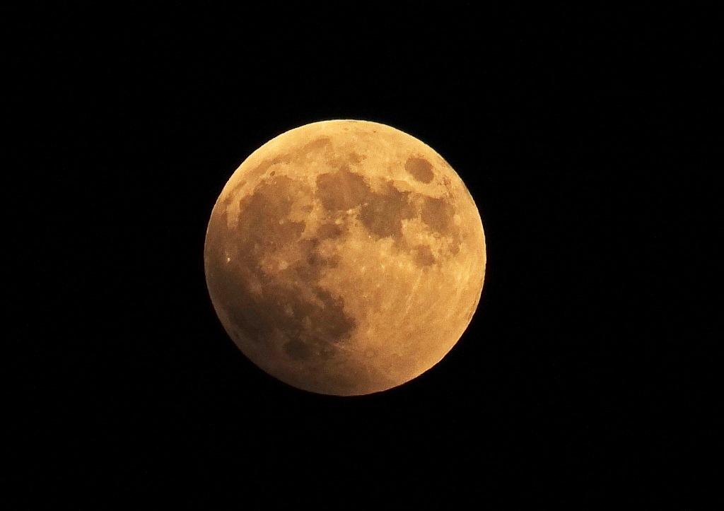 s-20141008 皆既月食の観察撮影 (2)