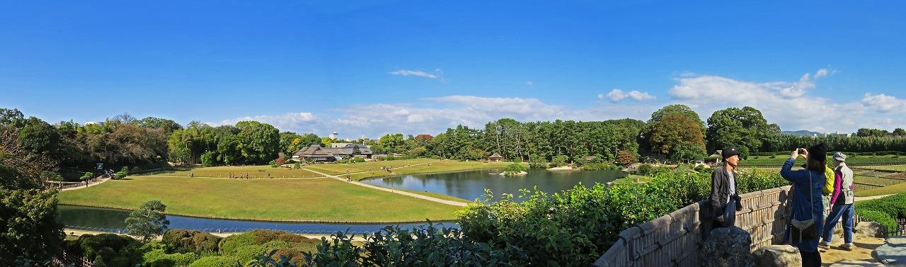s-20141103 後楽園唯心山から眺める園内ワイド風景 (3)