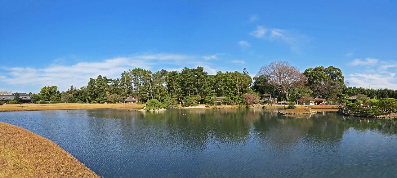 s-20141210 後楽園内の今日の沢の池ワイド風景 (2)