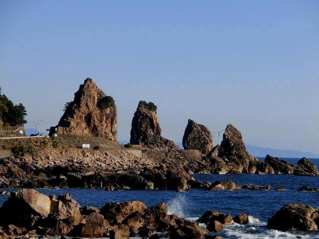 鹿岡の夫婦岩1