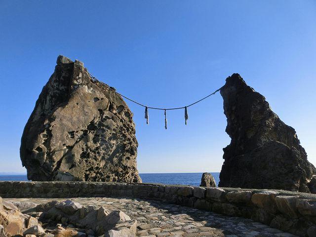 鹿岡の夫婦岩2