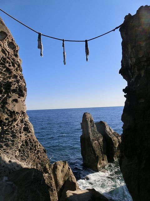 鹿岡の夫婦岩3