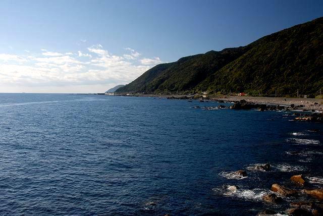 鹿岡の夫婦岩からの眺望