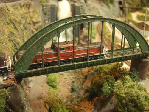 DD51重連 Nゲージジオラマ 鉄橋