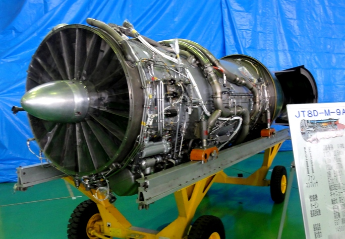 エンンジンJT8D-M-9A  C-1搭載