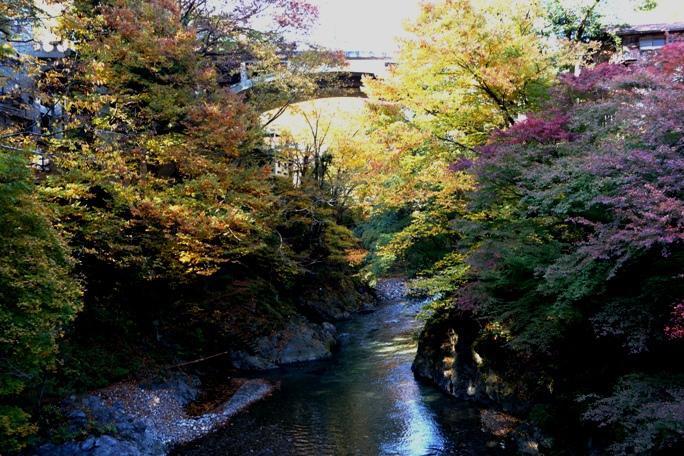 奥多摩氷川小橋から氷川橋を望む20131117A