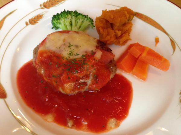トマトソースのハンバーグ7
