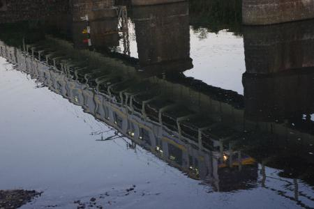 209系 加茂川橋梁