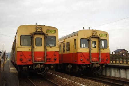 横田駅 キハ30