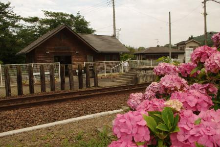 上総松丘駅