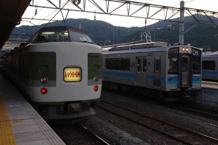 ムーンライト信州&大糸線E127系