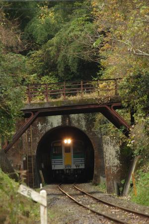 久留里線 名殿トンネル キハ37