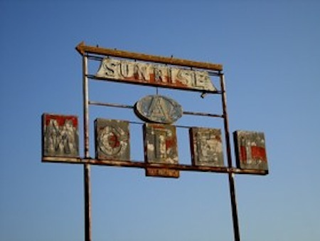 Sunrise Motel Sign-k