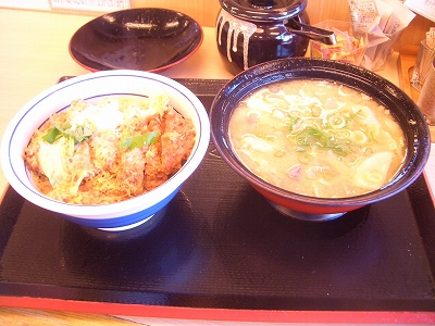 かつや かつ丼梅+豚汁大
