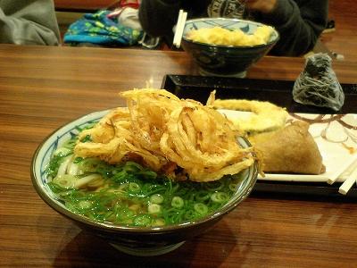 かけ+野菜かき揚げ+佃煮おにぎり