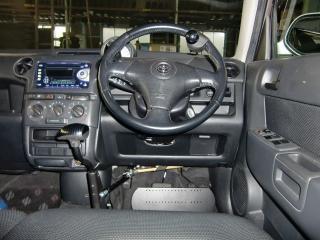 トヨタbB 福祉車両改造 手動運転装置 20111002