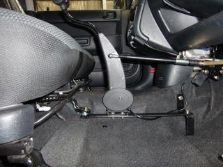 トヨタbB 福祉車両改造 手動運転装置 20111003