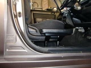 トヨタbB 福祉車両改造 サイドサポートシート 20111007