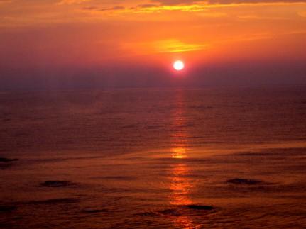 三国温泉望洋楼客室からの夕日
