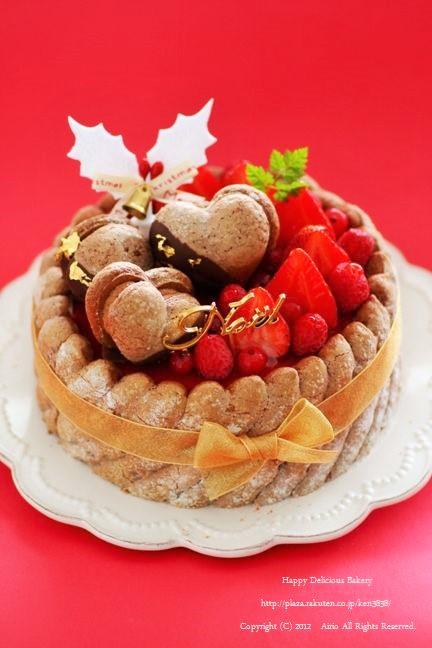 1117クリスマスケーキ赤背景に金リボン (2)