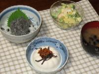 9/10 夕食 生しらす丼、海老とアボカドのサラダ、冷や奴、蜆のみそ汁