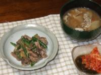 9/23 夕食 砂肝のハーブスパイス炒め、豚汁、キムチもずく酢