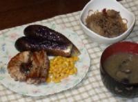 9/29 夕食 まぐろのステーキ、牛肉とごぼう・しらたきの炒め煮、蜆のみそ汁