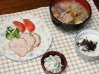 11/5 夕食 ローストポーク、根菜たっぷり豚汁、ほうれん草の白和え、ひじきふりかけご飯