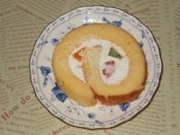 2/23 フルーツロールケーキ