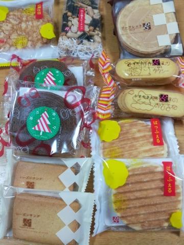 お菓子量り売り (12)