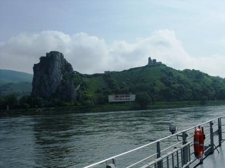 フェリーから見た古城