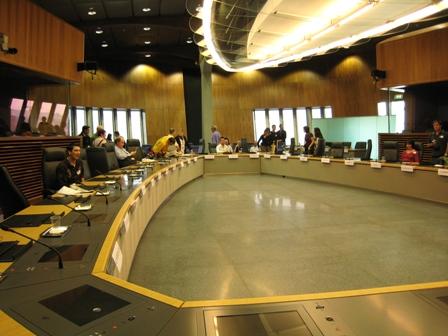 13階の委員会会議室