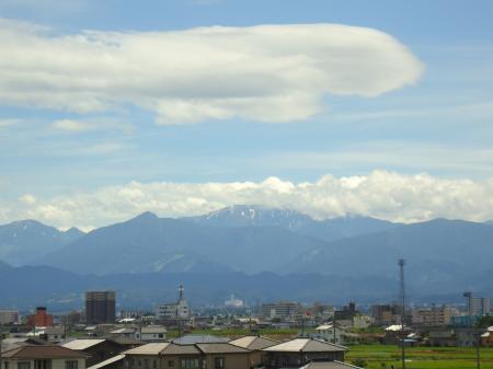 雲間からの薬師岳_convert_20120716124921