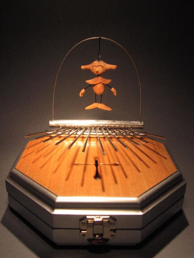 2010十字架カリンバBOX