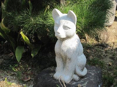 神社の石猫さん