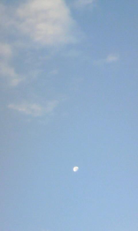 101126_071233朝の月・雲