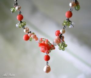 珊瑚のフラワーネックレス3