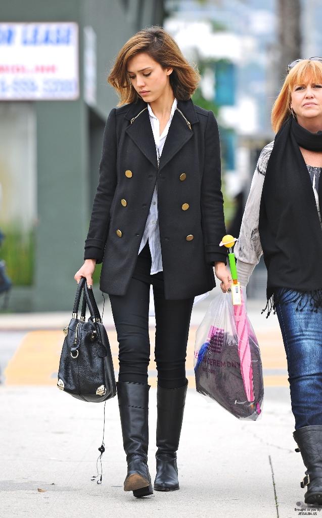 Jessica Alba Shopping In LA