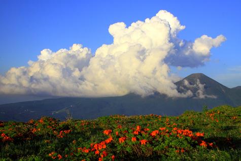 入道雲と蓼科山