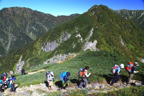 桧尾岳を目指して登る