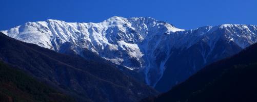 雪を被った赤石岳