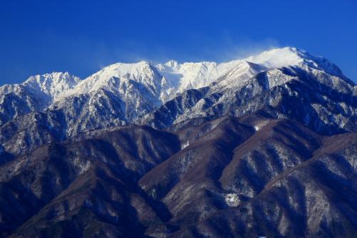 右から空木岳・南駒ヶ岳・仙涯嶺