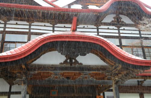 18日・高遠閣に降雪