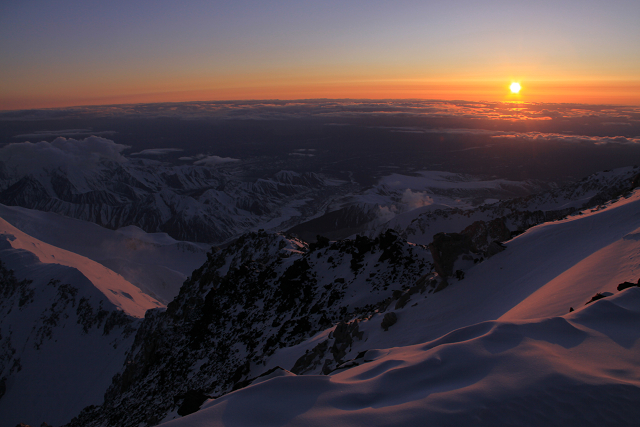 デナリ 17000ftキャンプからの夕暮れ