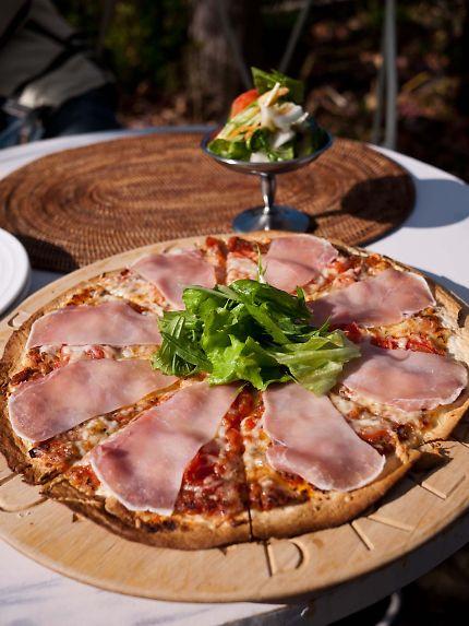 ラ ローズデパン 生ハムのピザ