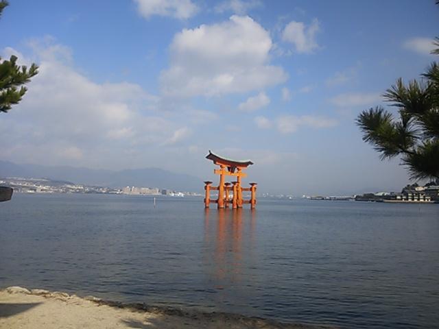 厳島神社~海に浮かぶ鳥居