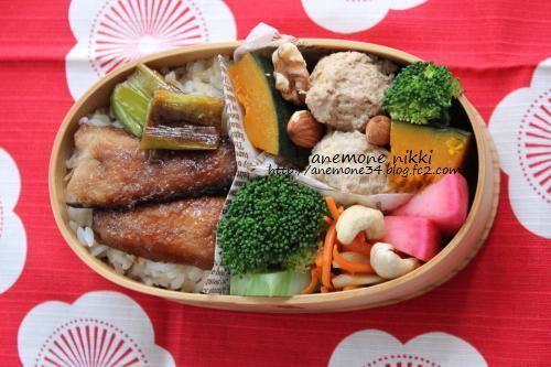 秋刀魚の蒲焼き弁当2