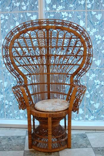 エマニュエル椅子