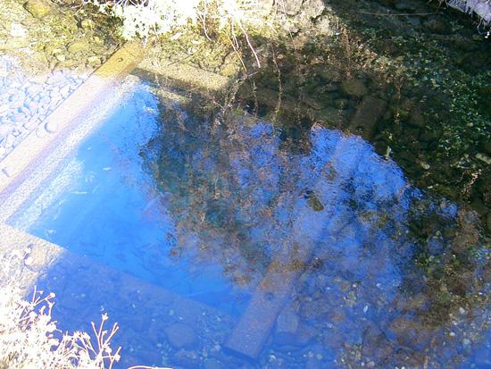 香川県丸亀市飯山町出水 湧水